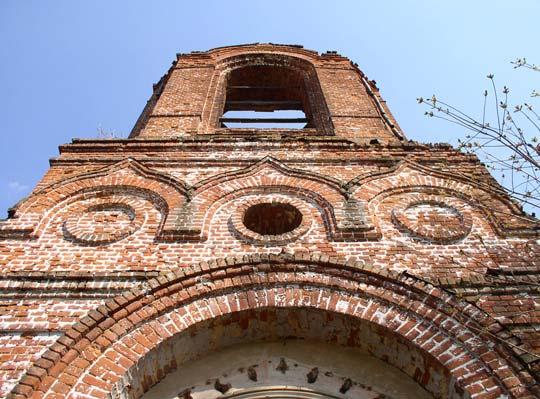 Покровская церковь села Старое Киркино. Фото Александра Кожанова, май 2010