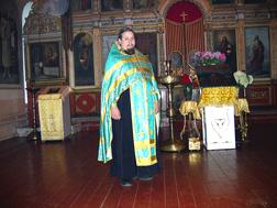 Настоятель церкви Воскресения Словущего протоиерей Илия Коростелев. Фото  А.Г. Соколова, 2008 год