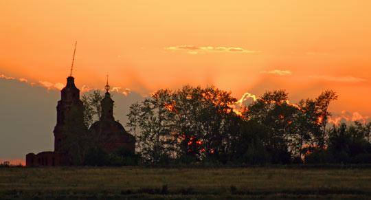 Церковь святого Николая Чудотворца в селе Гниломедово (Пронский район Рязанской области) 2012 год